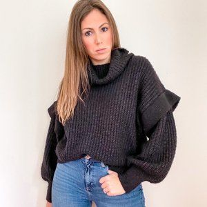 NWT Oversized Cable Knit Sweater Black